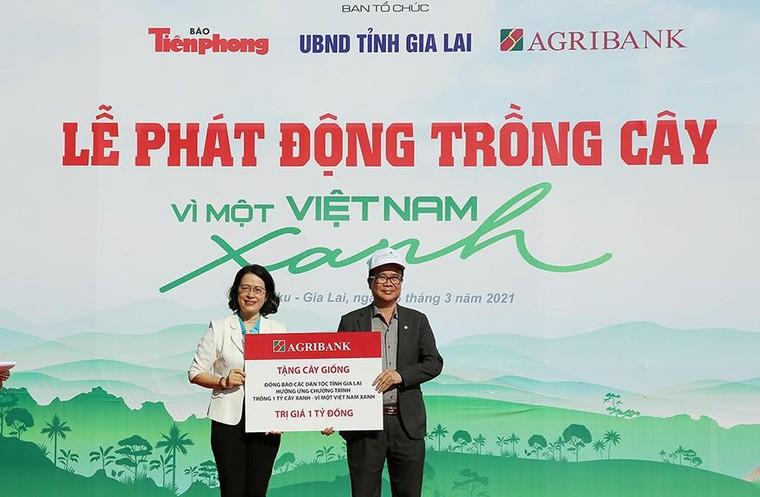 Agribank đồng hành cùng Giải Vô địch quốc gia Marathon và cự ly dài báo Tiền Phong năm 2021 ảnh 7