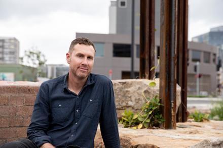 Nghệ sĩ người Australia bị đạo ý tưởng: Bảo Nam không hiểu gì về nghệ thuật! ảnh 1