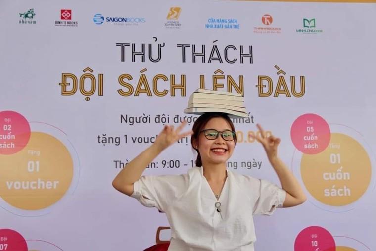 Hơn 100 ngàn cuốn sách được mua trong ngày khai mạc Hội sách xuyên Việt ảnh 3