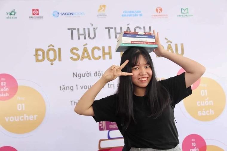Hơn 100 ngàn cuốn sách được mua trong ngày khai mạc Hội sách xuyên Việt ảnh 2