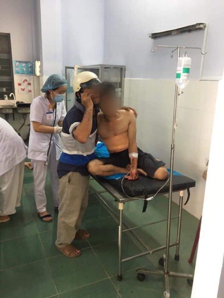 Gia Lai: Thanh niên xông vào giáo xứ đốt nhà thờ, đâm trọng thương linh mục ảnh 1