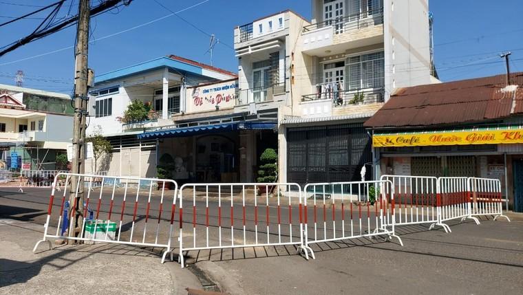 """Ca nghi nhiễm Covid-19 ở Đồng Nai: Trung tâm Y tế Long Khánh """"giấu"""" thông tin khi truy vết?! ảnh 2"""