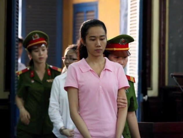 Những scandal bán dâm từng gây 'chấn động' showbiz Việt ảnh 1