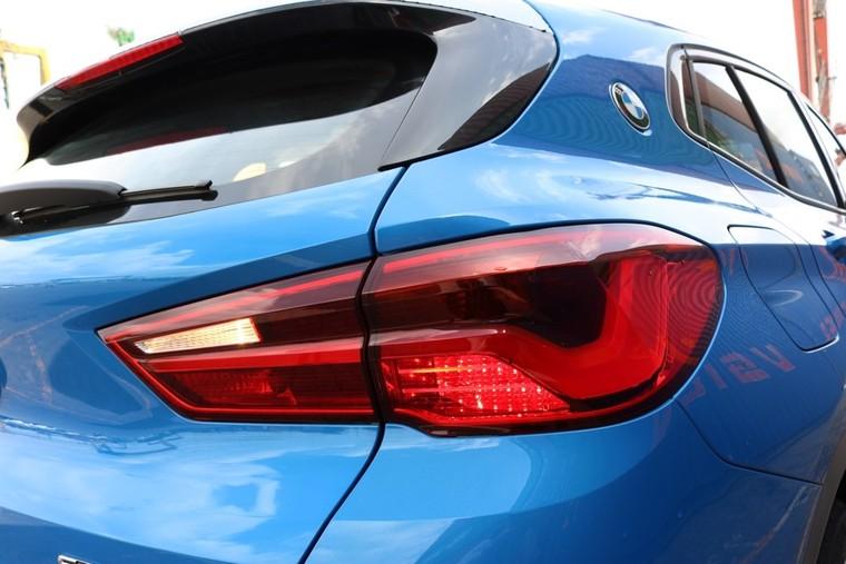Soi cận cảnh BMW X2 hoàn toàn mới lần đầu tiên về VN ảnh 2