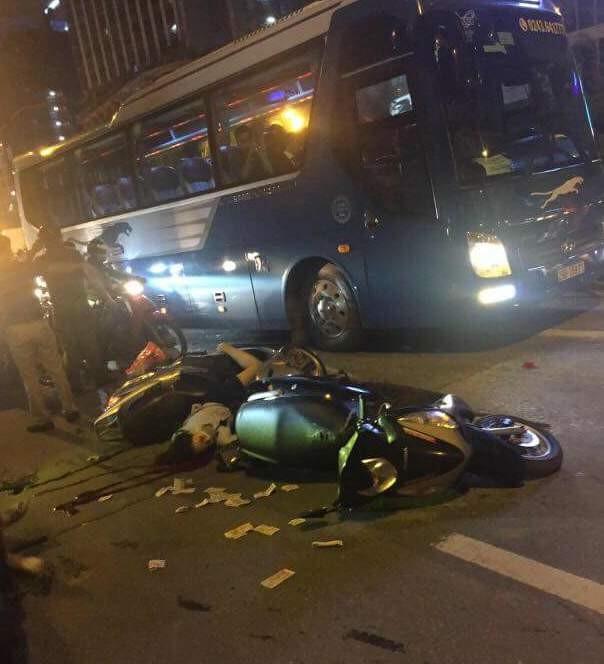 Thanh sắt rơi xuống đường Lê Văn Lương, một phụ nữ tử vong ảnh 1