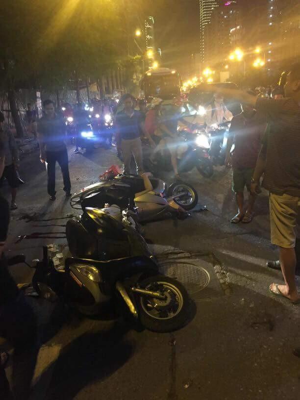 Thanh sắt rơi xuống đường Lê Văn Lương, một phụ nữ tử vong ảnh 3