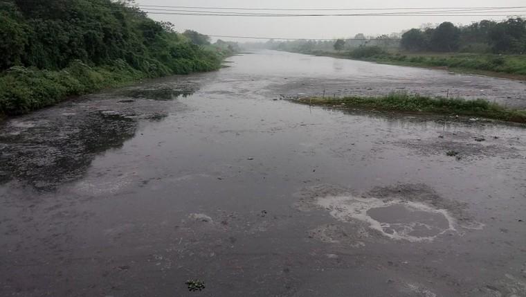 Sông Nhuệ-Đáy ô nhiễm: Chưa làm tròn trách nhiệm khi sông ngày càng bẩn hơn ảnh 1