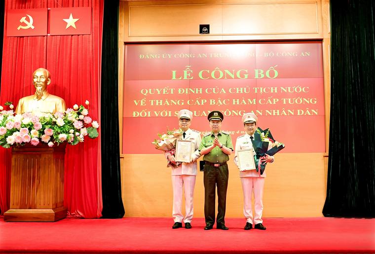Chánh Văn phòng Bộ Công an Tô Ân Xô được phong hàm Trung tướng ảnh 1