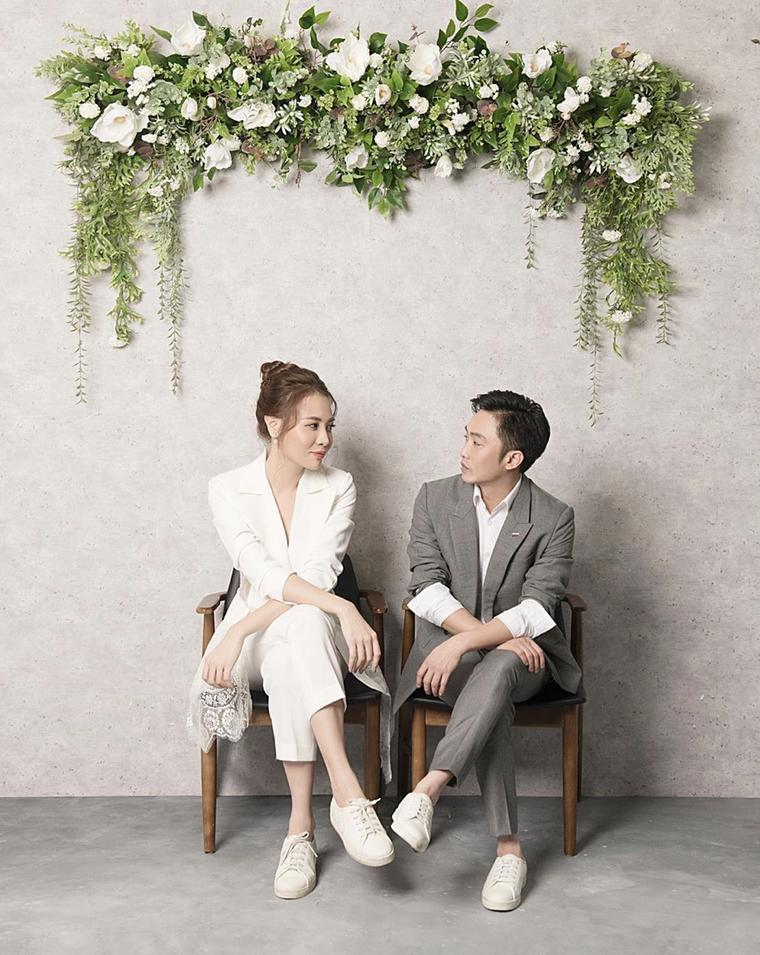 Cường Đô La và Đàm Thu Trang công khai ảnh cưới ảnh 1