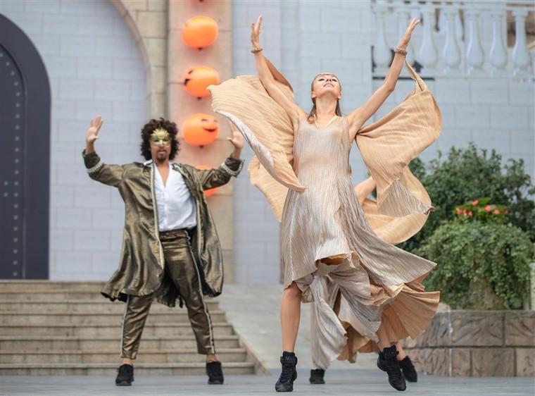 Happy Halloween, du khách Miền Trung Tây Nguyên tiếp tục hưởng mức giá ưu đãi khi tới Bà Nà Hills ảnh 10