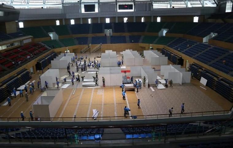 Đà Nẵng gấp rút lắp đặt bệnh viện dã chiến Cung thể thao Tiên Sơn ảnh 1