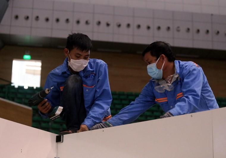 Đà Nẵng gấp rút lắp đặt bệnh viện dã chiến Cung thể thao Tiên Sơn ảnh 4