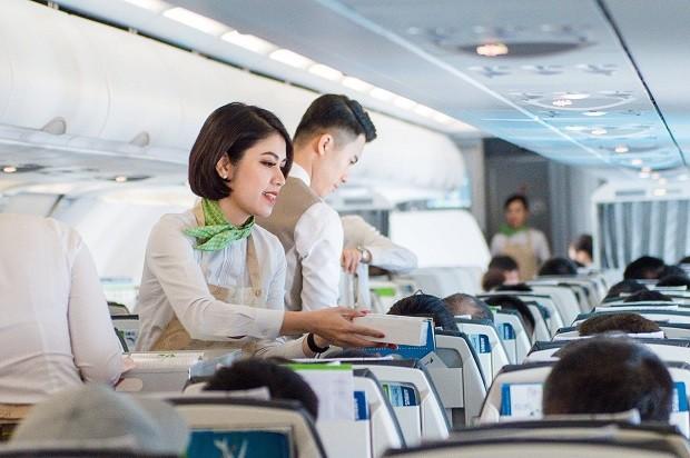 Bamboo Airways và Sacombank hoàn tiền cho khách mua vé máy bay ảnh 1