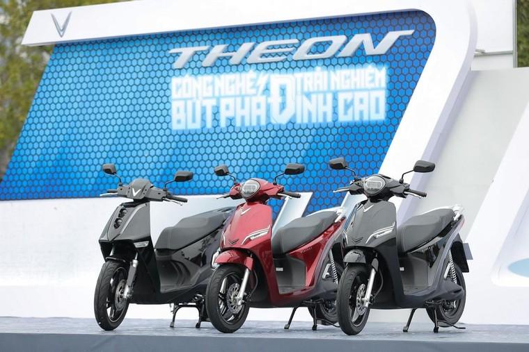 VinFast Theon và Feliz tạo nên chuẩn mực mới cho xe máy điện ảnh 1