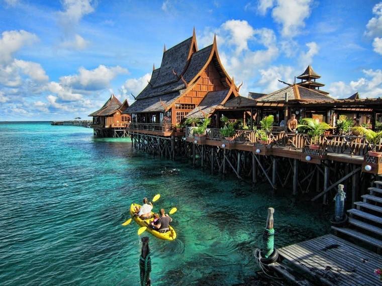 Indonesia có diện tích tự nhiên xếp thứ mấy thế giới?