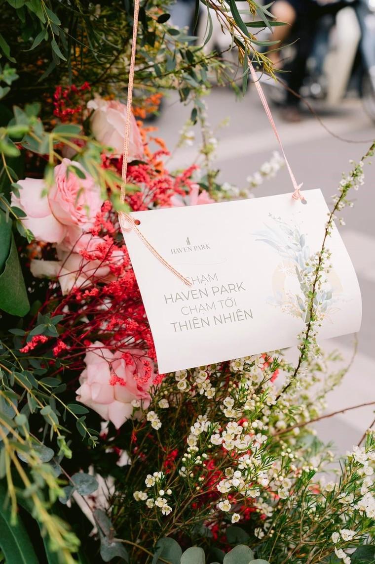 Hơn 100 Cột đèn 'nở hoa' giữa trung tâm Hà Nội ảnh 9