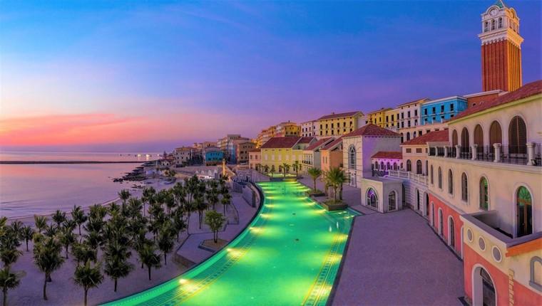 Thị trấn Địa Trung Hải Phú Quốc – Bùng nổ bản giao hòa của thời trang và kiến trúc ảnh 2