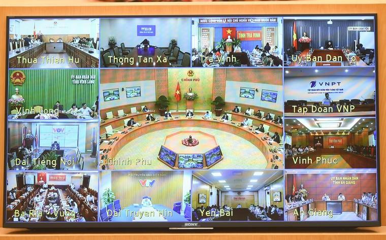 Thủ tướng Nguyễn Xuân Phúc chủ trì họp trực tuyến toàn quốc về COVID-19 ảnh 1
