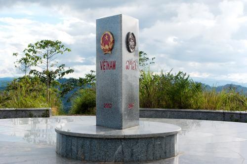 Việt Nam có đường biên giới trên bộ dài bao nhiêu km?