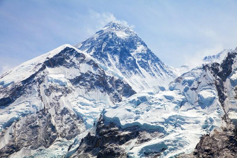 Đỉnh núi nào cao nhất thế giới?