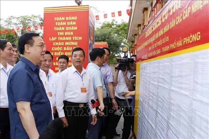 Chủ tịch Quốc hội Vương Đình Huệ kiểm tra công tác chuẩn bị bầu cử tại Hải Phòng ảnh 6