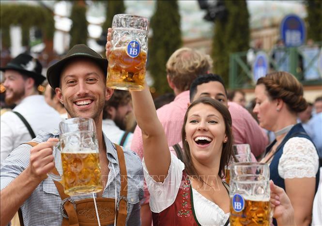 Lễ hội bia Oktoberfest lớn nhất thế giới tiếp tục bị lỡ hẹn ảnh 1