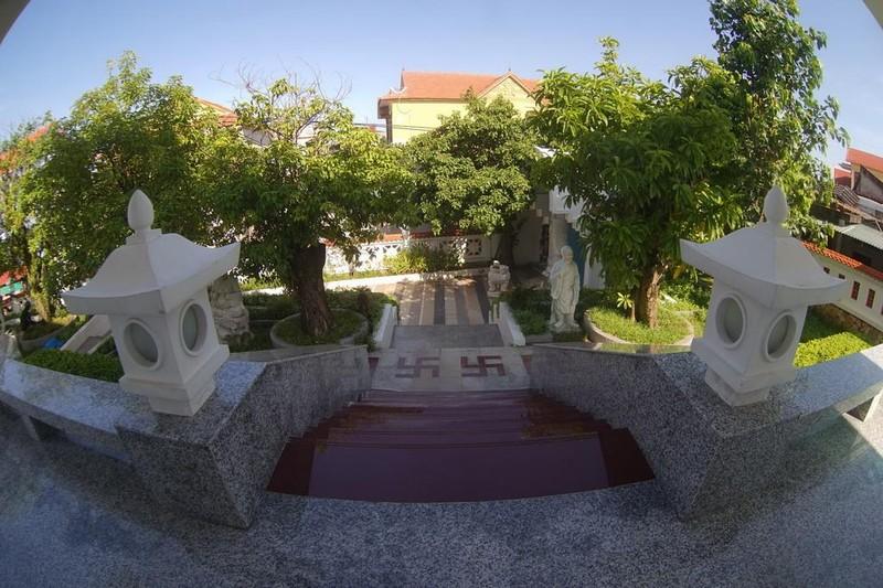 Ngôi chùa màu trắng đặc biệt ở Quảng Bình ảnh 16