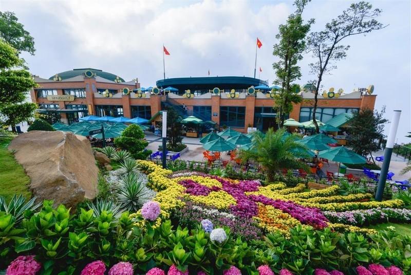 Tây Ninh: Tượng Quán Thế Âm sừng sững giữa mây ngàn ảnh 6