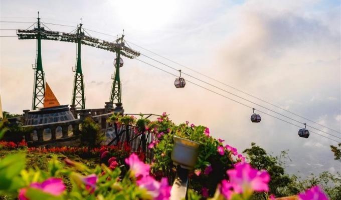 Tây Ninh: Tượng Quán Thế Âm sừng sững giữa mây ngàn ảnh 2