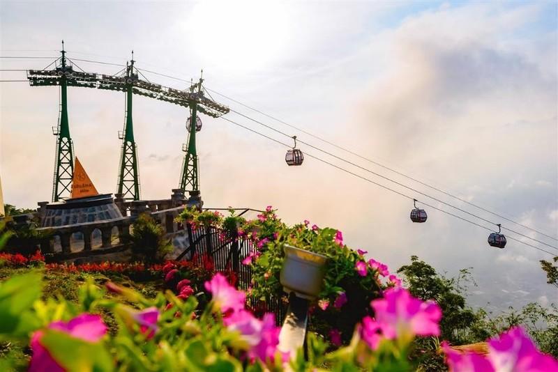 Tây Ninh: Tượng Quán Thế Âm sừng sững giữa mây ngàn ảnh 11