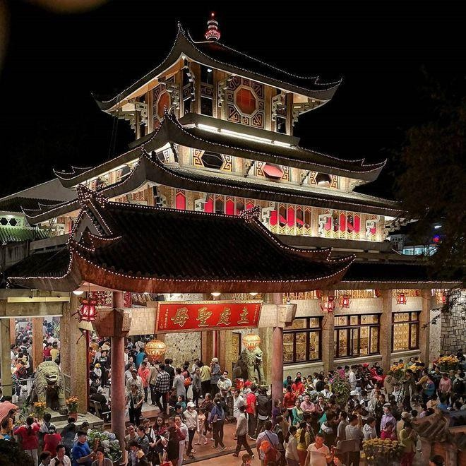 Những ngôi chùa nổi tiếng bậc nhất Việt Nam ảnh 10