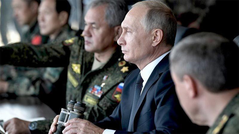 Tổng thống Nga Vladimir Putin giám sát cuộc tập trận Vostok 2018 hồi tháng 9/2018. (Ảnh: Sputnik)