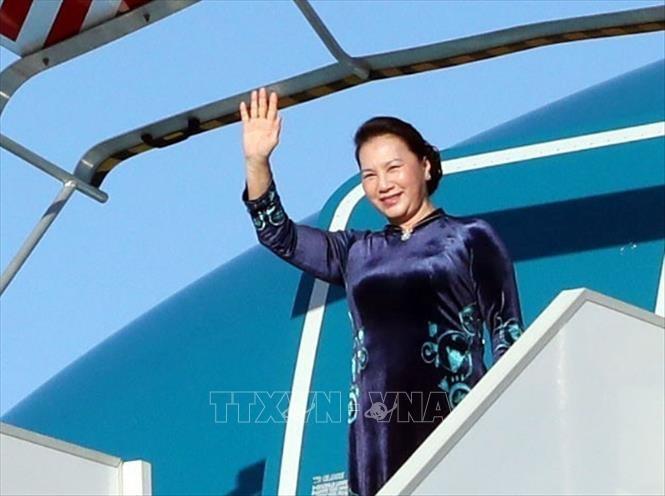Lễ đón Chủ tịch Quốc hội Nguyễn Thị Kim Ngân tại sân bay Orly. Ảnh: Trọng Đức/TTXVN