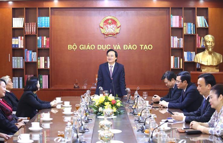 Bộ trưởng Phùng Xuân Nhạ gặp gỡ và chúc mừng các đồng chí nguyên lãnh đạo Bộ GDĐT nhân dịp chuẩn bị đón Xuân Canh Tý 2020