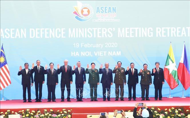 Trưởng đoàn Quốc phòng các nước ASEAN chụp ảnh chung tại Hội nghị hẹp Bộ trưởng Quốc phòng các nước ASEAN (ADMM). Ảnh: Dương Giang/TTXVN
