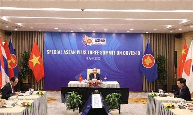 Thủ tướng Nguyễn Xuân Phúc, Chủ tịch ASEAN 2020, phát biểu khai mạc Hội nghị Cấp cao ASEAN+3 về ứng phó với dịch bệnh COVID-19. (Ảnh: Thống Nhất/TTXVN)