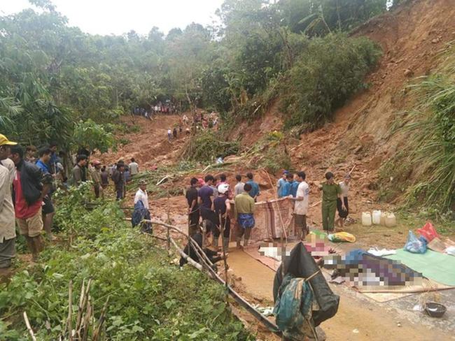 Hiện trường vụ sạt lở vùi lấp 1 gia đình 6 người tại thôn Tà Rùng, xã Húc, Hướng Hóa, Quảng Trị.
