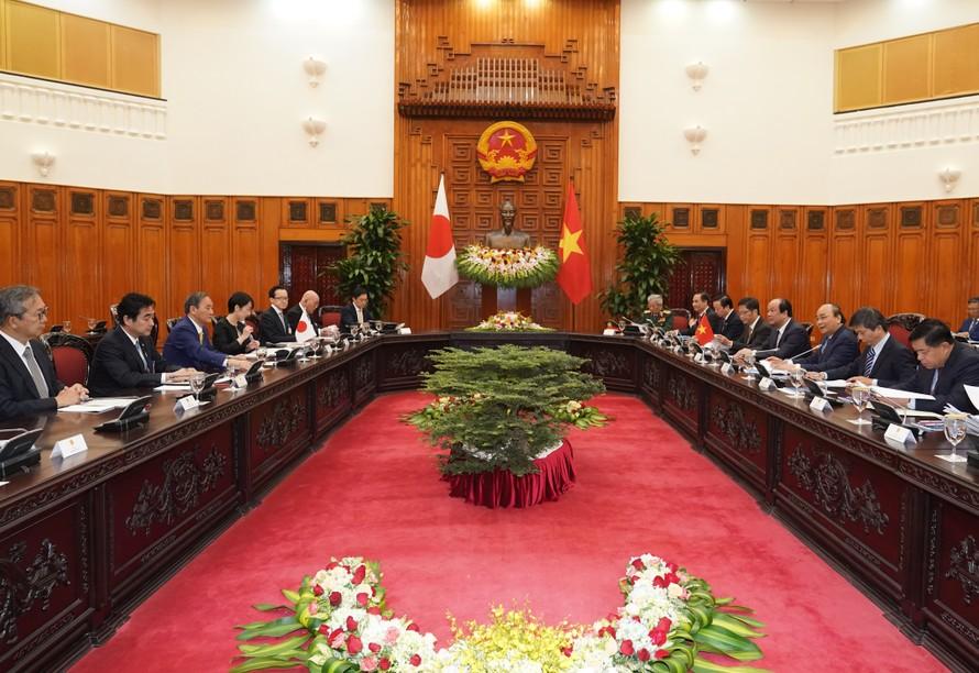 Hai Thủ tướng tiến hành hội đàm. Ảnh: VGP/Quang Hiếu