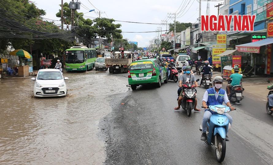 Đường Lương Định Của sẽ được sửa chữa tạm thời để đảm bảo an toàn giao thông. Ảnh: Trần Anh Ngọc