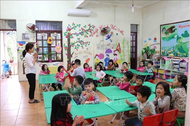 Hoạt động dạy và học của cô và trò Trường Mầm non Thanh Khương, Bắc Ninh. Ảnh: Thanh Thương/TTXVN