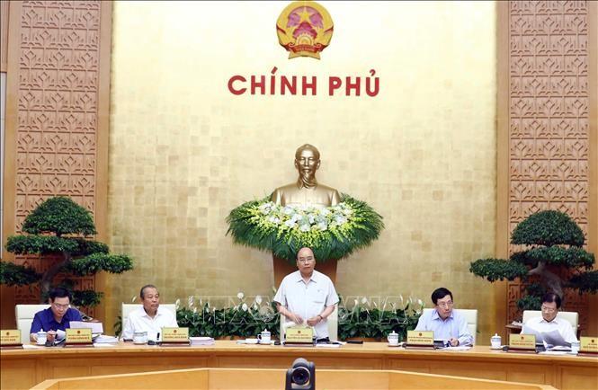 Thủ tướng Nguyễn Xuân Phúc chủ trì phiên họp Chính phủ thường kỳ tháng 4. Ảnh: Thống Nhất/TTXVN