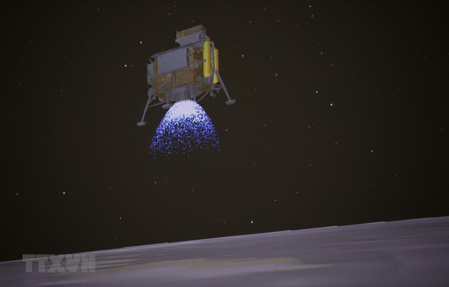 Tàu thăm dò vũ trụ Hằng Nga 4 của Trung Quốc hạ cánh mềm xuống bề mặt tối của Mặt Trăng ngày 3/1/2019. (Ảnh: THX/TTXVN)