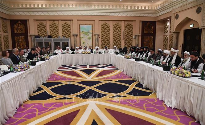 Toàn cảnh cuộc đàm phán giữa phái đoàn Mỹ và đại diện Taliban về hòa bình Afghanistan tại Doha, Qatar ngày 26/2/2019. Ảnh: AFP/TTXVN