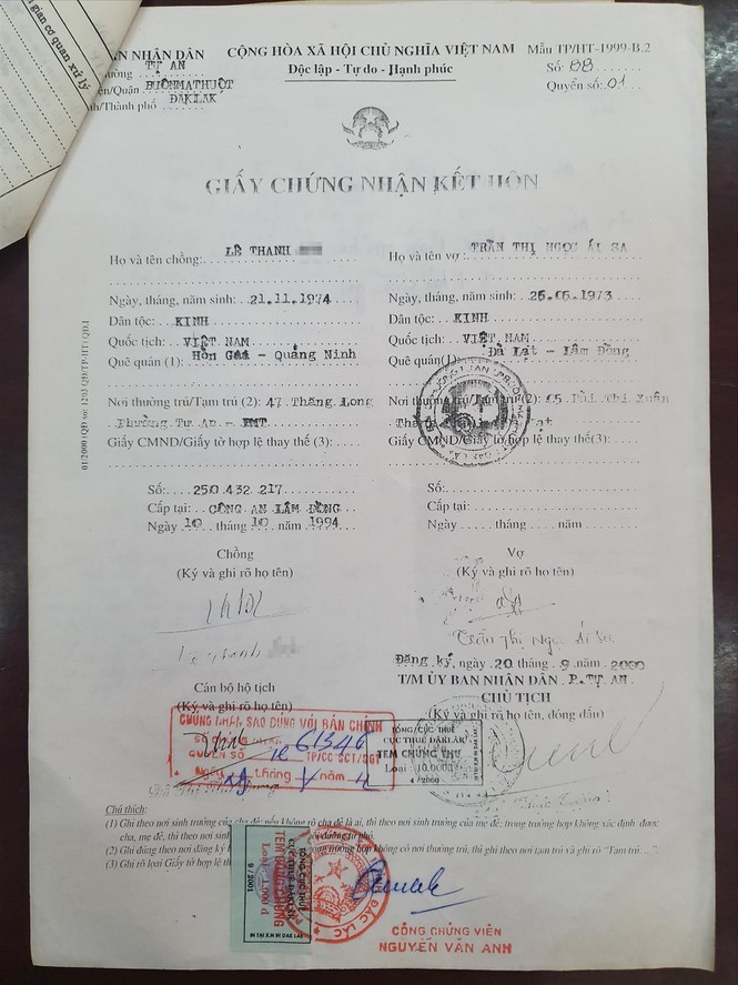 Giấy chứng nhận kết hôn của Trần Thị Ngọc Ái Sa (giả) được cấp năm 2000 tại phường Tự An.
