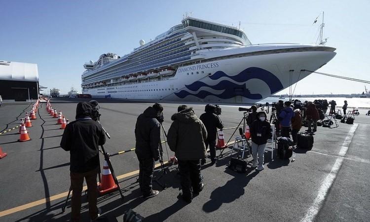 Tàu du lịch Diamond Princess neo đậu tại cảng Yokohama, Nhật Bản, hôm 9/2.
