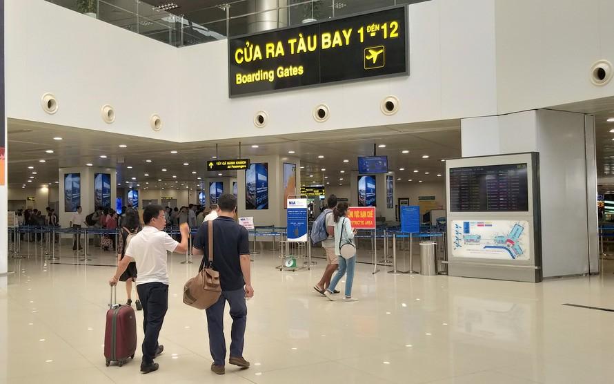 Cục hàng không 'tuýt còi' các hãng bán vé bay dài hạn