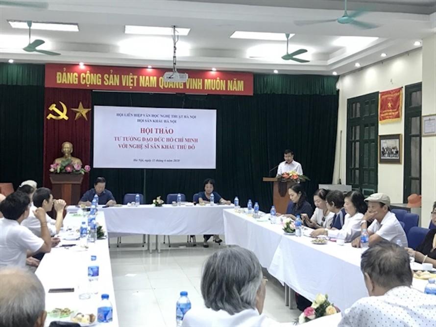 """Vở """"Những vần thơ thép"""" của Nhà hát Chèo VN là một vở diễn xây dựng thành công hình tượng Chủ tịch Hồ Chí Minh"""
