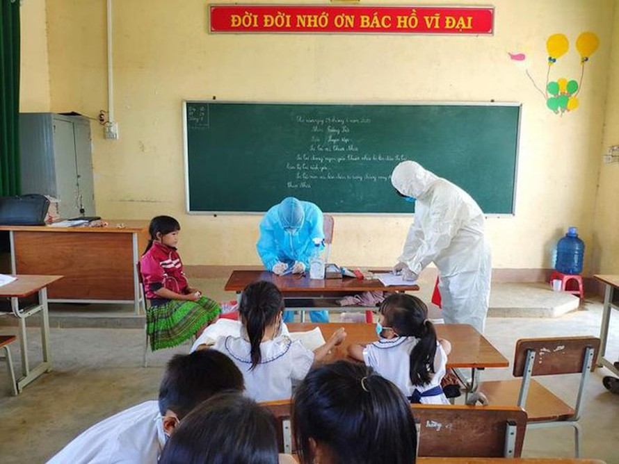 Tiến hành khám sàng lọc để phát hiện sớm bệnh bạch hầu tại tỉnh Đắk Nông