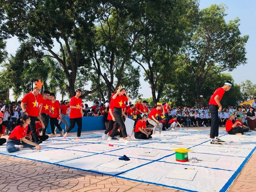 HS Trường THPT Lục Ngạn số 1 (Bắc Giang) trong một hoạt động ngoại khóa.