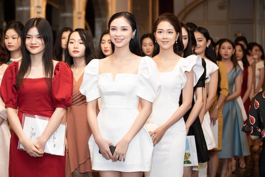 Bật mí hậu trường soi chuyện 'dao kéo' ở Hoa hậu Việt Nam 2020